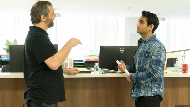 主演&脚本のクメイル・ナンジアニと製作総指揮ジャド・アパトーのインタビュー映像が到着!