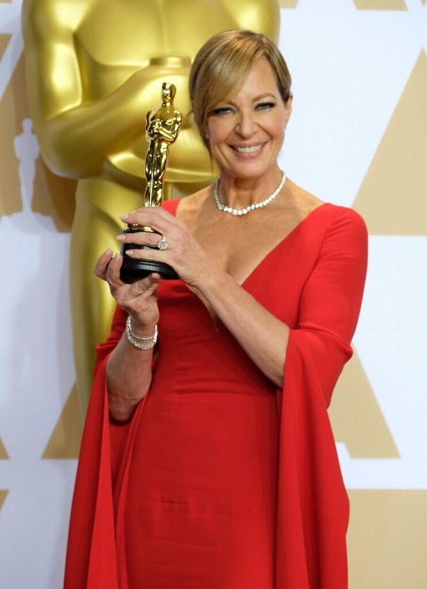 念願の助演女優賞を獲得したアリソン
