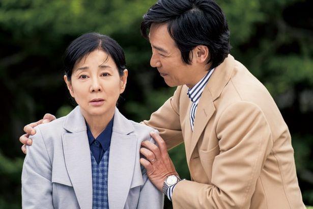 修二郎は時折、ぼーっとしたりする母親の変化を感じるようになる