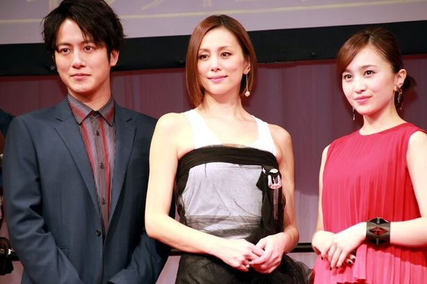 左から、溝端淳平(ファルコン)、米倉涼子(ブラック・ウィドウ)、「アベンジャーズ」初参戦の百田夏菜子(シュリ)