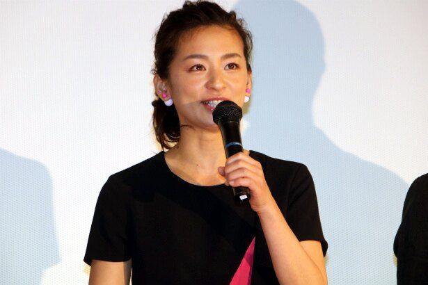 母・富子役の尾野真千子
