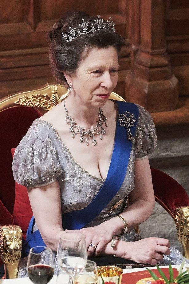 アン王女はキャサリン妃以上の着回し上手?