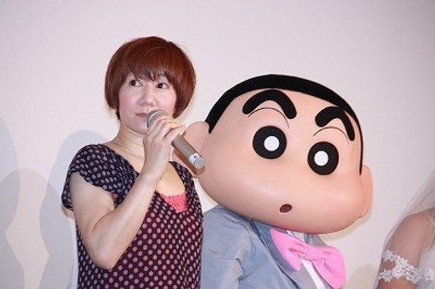 しんのすけ役の声優・矢島晶子は、「これからもよろしく!」とアピール