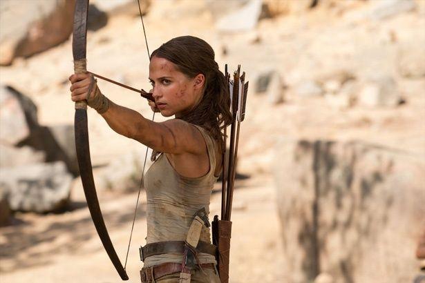 『トゥームレイダー ファースト・ミッション』で冒険を繰り広げるララ・クラフト(アリシア・ヴィキャンデル)