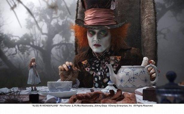 ジョニー・デップはアリスを常に信じ続ける帽子屋マッドハッター役