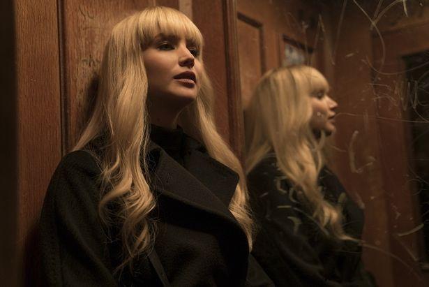 ジェニファー・ローレンスがスパイ役に挑戦!『レッド・スパロー』の裏話を大公開