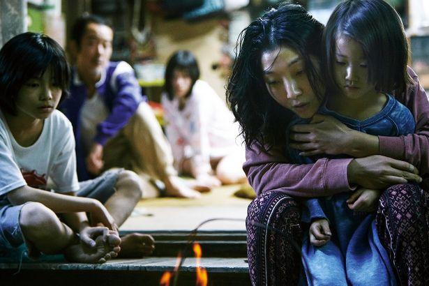 是枝作品初出演となる安藤サクラが、映画賞に期待充分の好演を見せる!