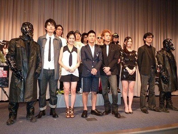 『リアル鬼ごっこ2』100人の佐藤さん試写会を開催