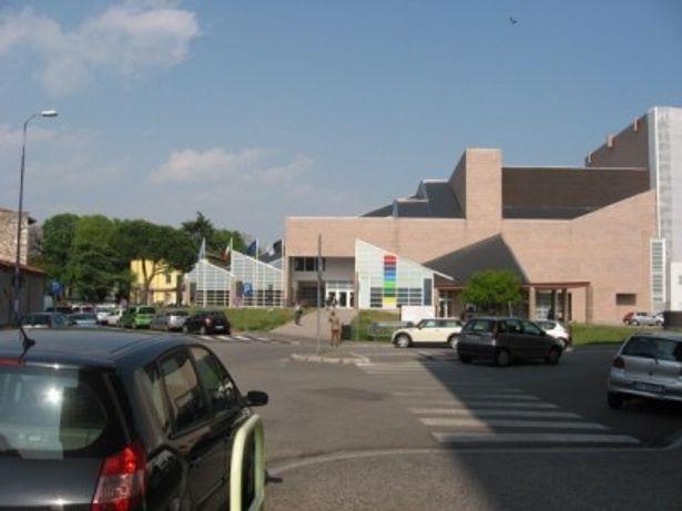 メイン会場となる新ジョバンニ劇場は1997年に建てられ、1200人を収容する
