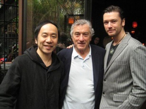 貴重な3ショット!左から塚本晋也監督、ロバート・デ・ニーロ、エリック・ボシック
