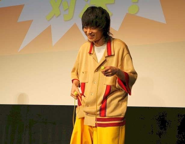 """【写真を見る】""""二重飛び対決""""で健闘した菅田"""