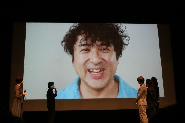 ウーラ山崎役のムロツヨシはビデオメッセージで参加