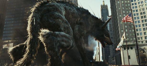 背中にトゲの生えたラルフ。もはやオオカミじゃない!?