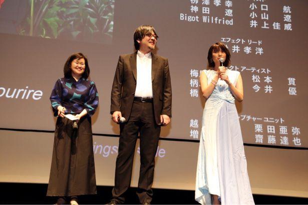 【写真を見る】上白石萌歌、流暢なフランス語でカンヌの映画ファンに向けて挨拶!