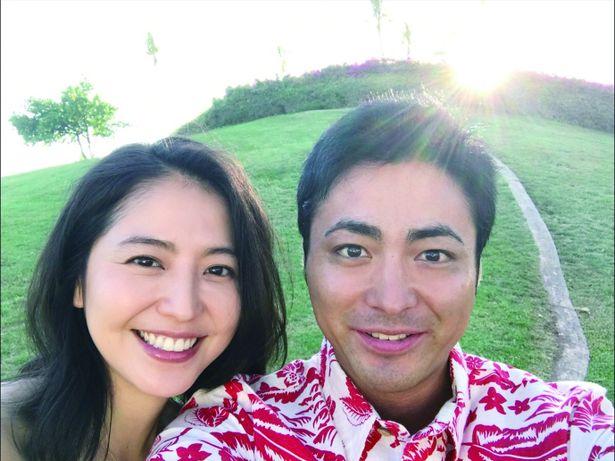 美男美女カップル!山田孝之と長澤まさみが満面の笑顔でセルフィー