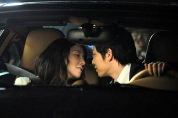 イ・ジア主演作『顔と心と恋の関係』では、素敵なキスシーンが描かれる