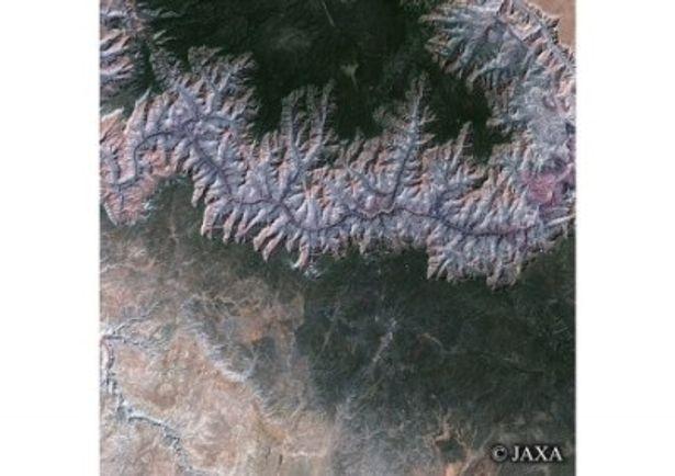 700km上空から見たアメリカのグランド・キャニオン