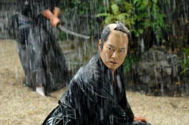雨中での殺陣シーンが最大の見どころだ