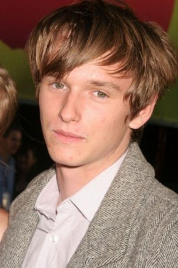 ヘンリー・ホッパーは19歳、将来有望な若手俳優だ