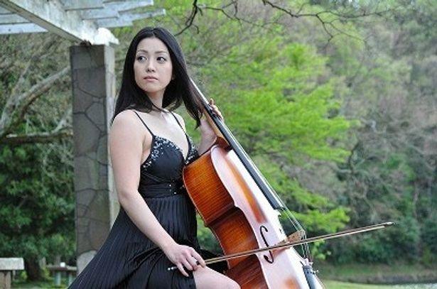 ヒロイン静子は、イタリア帰りの新進チェリストという美貌の才媛