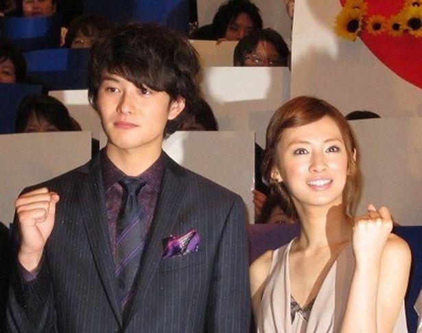 『瞬 またたき』の初日舞台挨拶で、北川景子、岡田将生がサムライジャパンにエール!