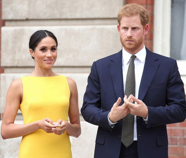 夫のヘンリー王子とともに出席