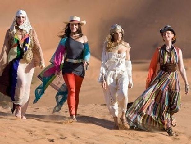 彼女たちが身にまとう斬新でユニークなファッションも女性たちから絶大な人気を集めている