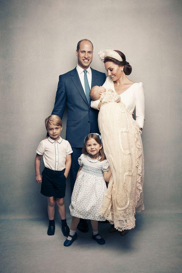 【写真を見る】すっかりお兄さん、お姉さんの顔に!ジョージ王子とシャーロット王女の凛々しいお顔をチェック