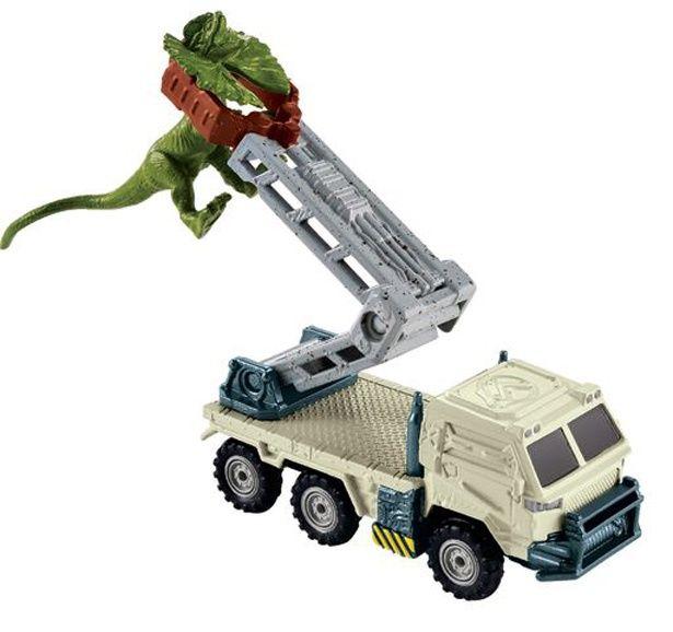 恐竜だけでなくビークル系も充実しているマテル社