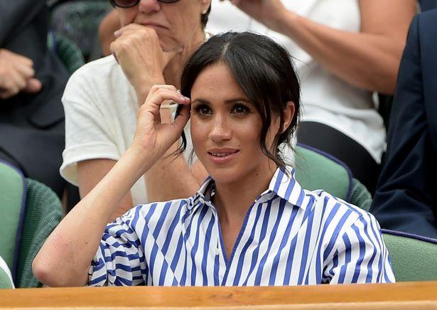 髪の毛を触っている姿が度々目撃されるメーガン妃
