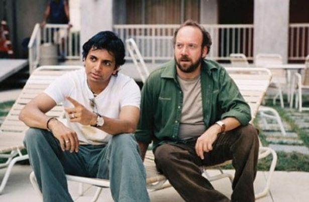 『レディ・イン・ザ・ウォーター』では、キーパーソンを演じたシャマラン監督(写真左)