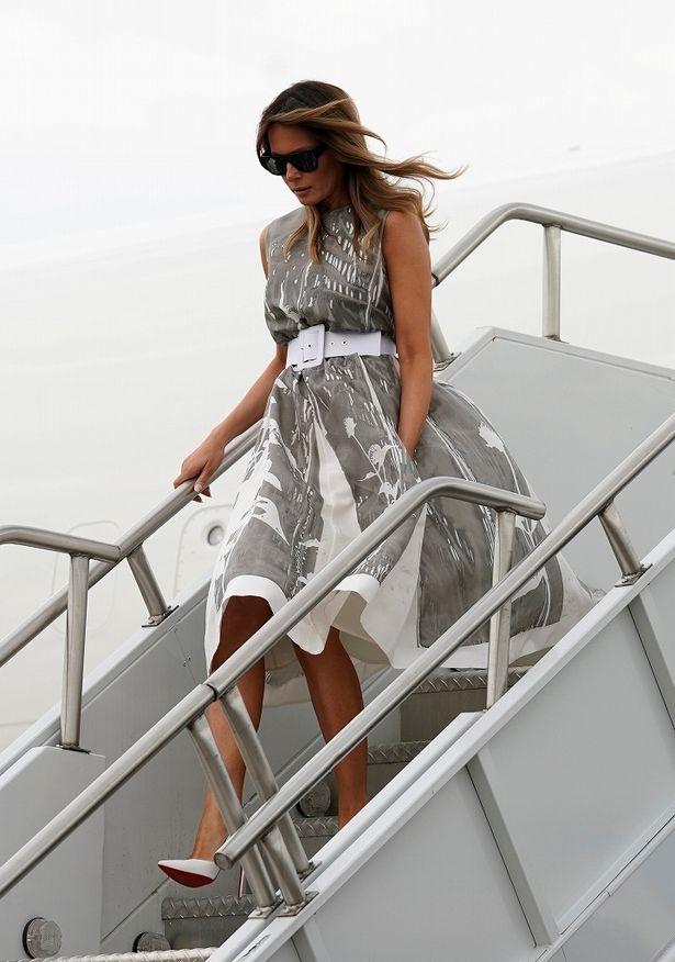 この日着ていたのはスカートがフワリと広がるドレス