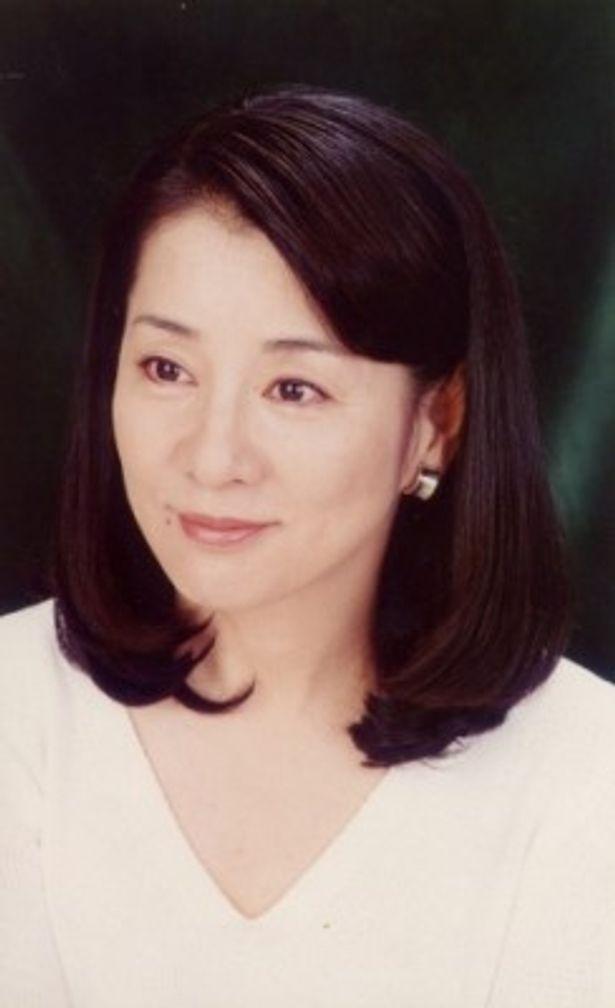 ナレーションとチャプラの母役に日本を代表する大女優の吉永小百合