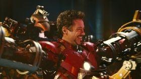 『アイアンマン2』、シリーズ2作目のジンクス破る&8分間の特別映像大公開