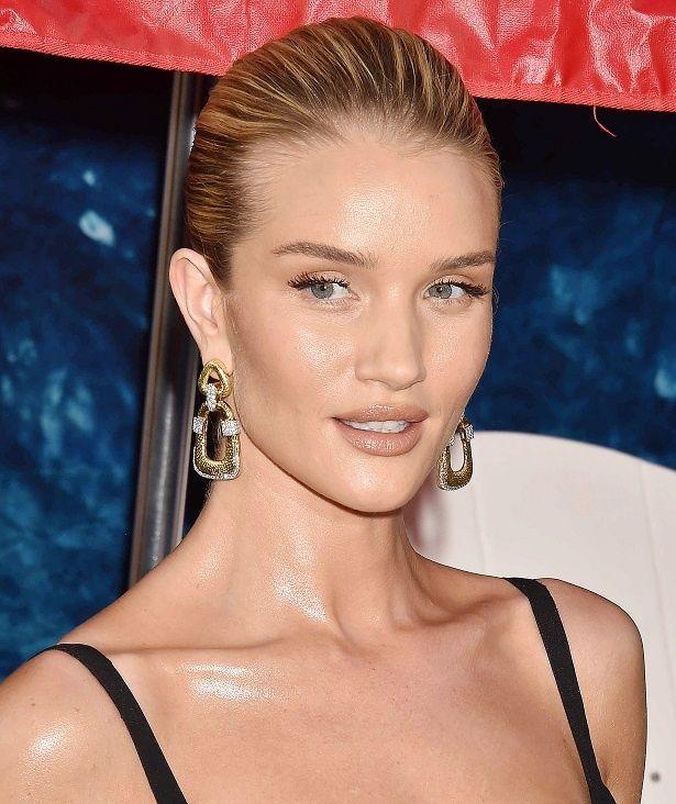 美人モデルのロージーがインスタグラムに過激な投稿?