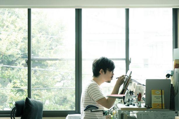 製作時はまだ20代だった石田監督。本作の完成披露試写会の日に30歳に!