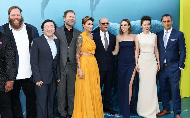 ハリウッド×中国の超大作とあり、国際色豊かな俳優が集結