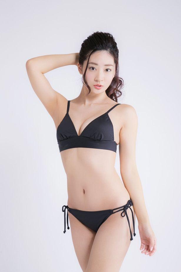 2番手で挑戦するのは7月にDVDが発売されたグラビアアイドルの池尻愛梨