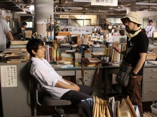 「川本さんの若い時もこうだったんだと思えてくる」と、原作者をモデルにした沢田を演じる妻夫木を絶賛する山下監督。これも、妻夫木と山下監督の綿密なやり取りゆえだ