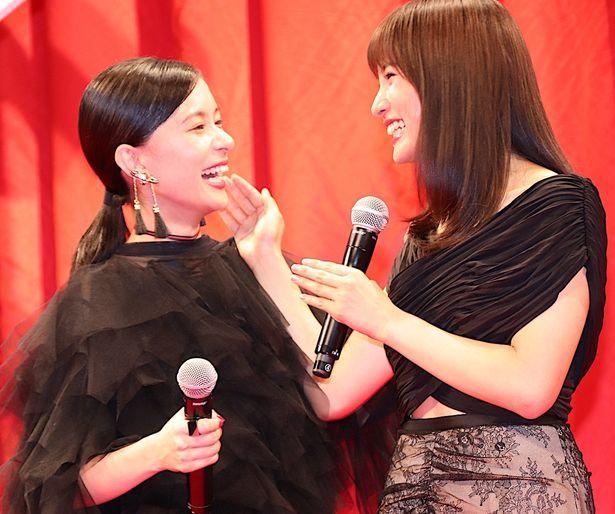 芳根京子、土屋太鳳と難役に挑んだ映画『累-かさね-』の完成に涙!