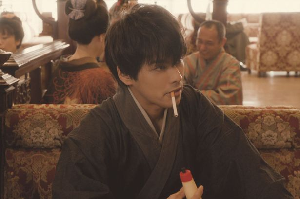 「銀魂2 -世にも奇妙な銀魂ちゃん -」第2話「土方禁煙篇」では禁煙に苦しむ姿を熱演