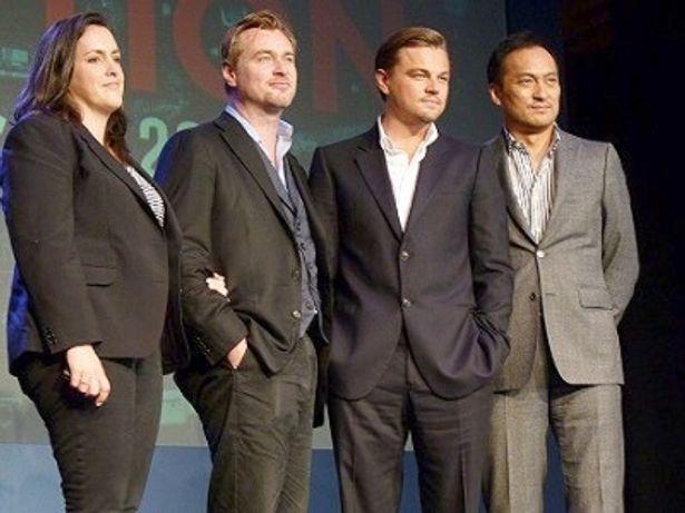 映画「インセプション」の来日記者会見に出席したエマ・トーマス、クリストファー・ノーラン、レオナルド・ディカプリオ、渡辺謙(写真左から)