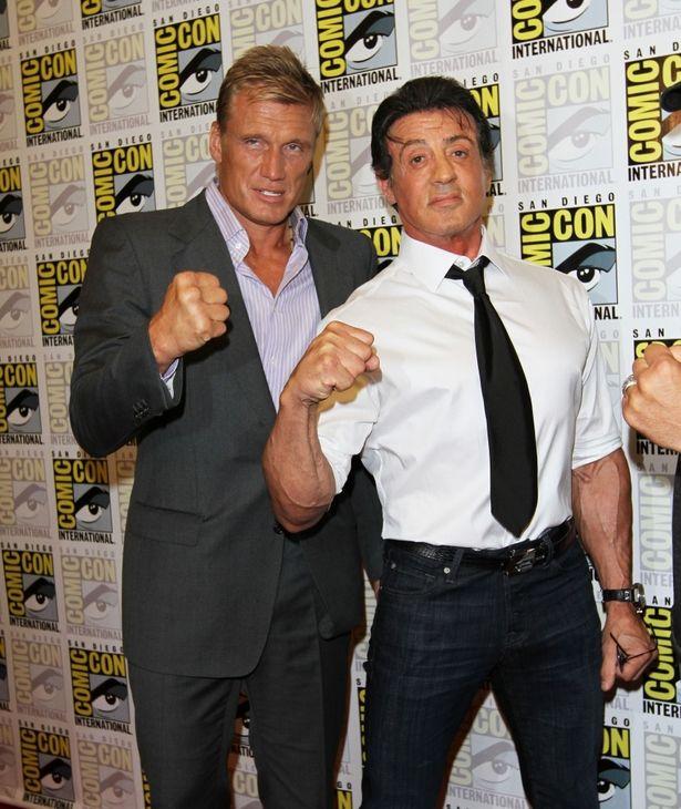 現役活躍中のアクションスター、ドルフ・ラングレン(左)