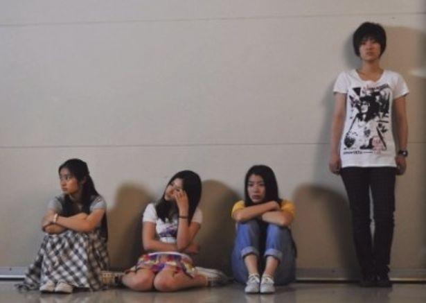 若手女優の成海璃子、忽那汐里、森田彩華、草刈麻有らが出演する『少女たちの羅針盤』
