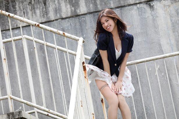 【写真を見る】実写版『初恋スケッチ~まいっちんぐマチコ先生~』では大澤玲美がマチコ先生に扮する