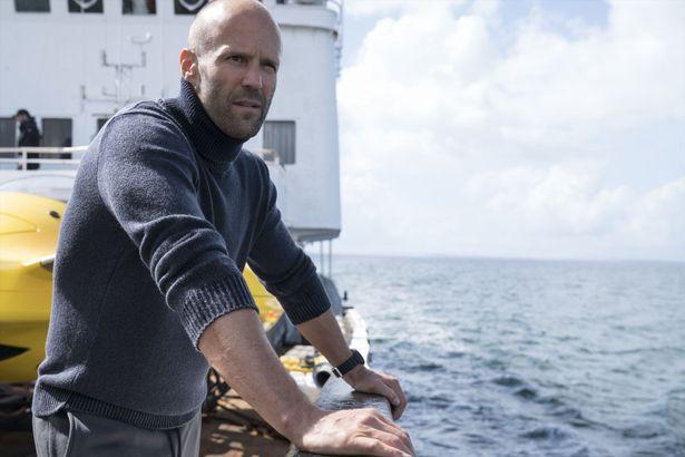 潜水レスキューのプロフェッショナルを演じたステイサムは、ダイビング経験をフルに発揮