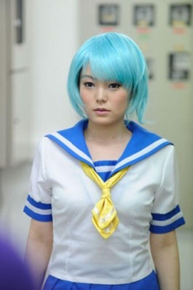 新人AV女優・ルルを演じる安井紀絵