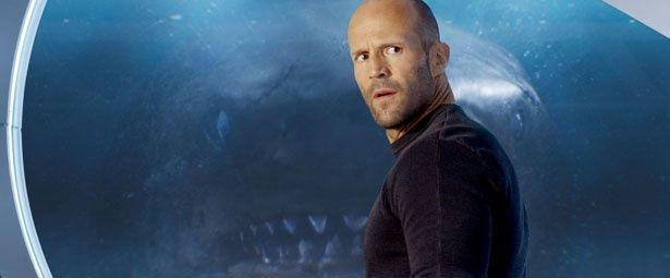 巨大サメとステイサムがタイマンバトルを繰り広げる『MEG ザ・モンスター』