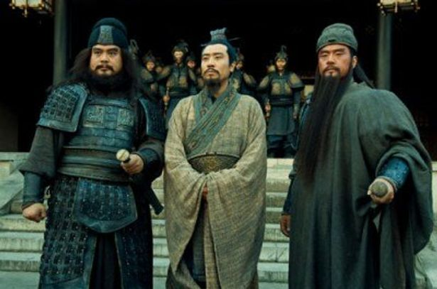 後漢末期の中国で大躍進を遂げる劉備、関羽、張飛の3兄弟