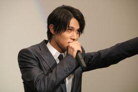 中川大志、壁ドンに失敗し1番のヘタレ男子に!『覚悟はいいかそこの女子。』舞台挨拶